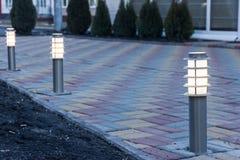 Dekoratives Solargarten-Licht Hamilton-Gärten, Neuseeland Angeschaltene Solarlampe Lizenzfreie Stockfotografie