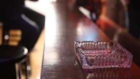 Dekoratives Stück des Hauses im Glas stock footage