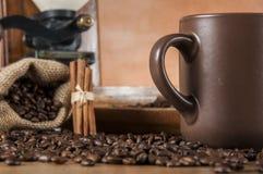 Dekorativt begrepp för kaffebönor royaltyfri fotografi