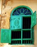dekorativt gammalt fönster Fotografering för Bildbyråer