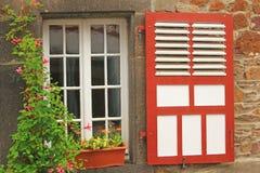 Dekorativt träfönster Arkivfoto