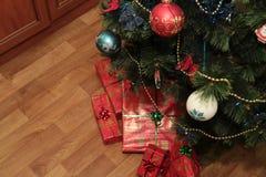 Dekorera för Xmas-träd Royaltyfria Bilder