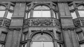 Dekorerad fasad av byggnad på St Stephens Street arkivfoto
