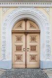 Dekorerad gammal dörr royaltyfri foto