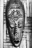 Dekorerad hand - gjord trämaskering Arkivfoto