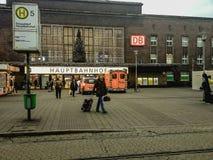 Dekorerad jul och lluminated central järnvägsstation Royaltyfri Fotografi
