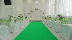 Dekorerad korridor för bröllopceremoni stock video