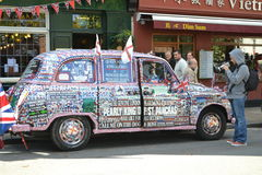 Dekorerad London taxitaxi Arkivfoto