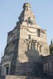 Dekorerad minnes- monument i kyrkogård på den historiska industriaen Royaltyfri Bild