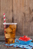 Dekorerad muffin och kall drink med 4th det juli temat Royaltyfri Bild