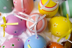 Dekorerade easter ägg av olika färger Royaltyfria Foton