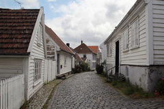 Dekorerade gator i den gamla staden i Stavanger, Norge Royaltyfria Foton