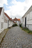Dekorerade gator i den gamla staden i Stavanger, Norge Fotografering för Bildbyråer