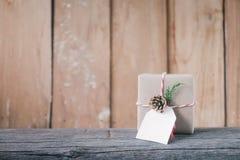 Dekorerade julgåvaaskar handgjord askgåva Arkivbild