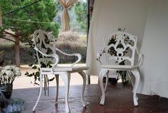 dekorerade stolar fotografering för bildbyråer