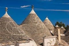 dekorerade tak Traditionella Trulli Alberobello Apulia italy Royaltyfria Bilder