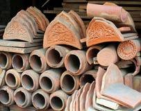 Dekorerade traditionella kinesiska taktegelplattor arkivfoton