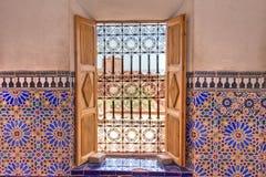 dekorerat morrocan fönster royaltyfri foto