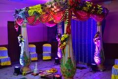 Dekorerat ställe för bröllopceremoni royaltyfria foton