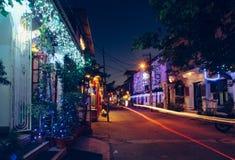 Dekorować ulicy Kochi przy nocą, podczas Bożenarodzeniowego czasu Fotografia Royalty Free