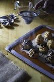 Dekorować choux ceam z lodowacenie cukierem Fotografia Royalty Free
