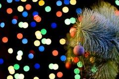 Dekorujący choinki, lśnienia i czarodziejki tło z kopii przestrzenią, Nowego Roku tło z bezpłatnego teksta miejscem, horyzontalny obrazy royalty free