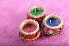Dekorujący trzy świeczek garnek fotografia royalty free