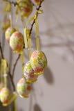 Dekorujący Wielkanocni jajka w Salzburg Zdjęcia Stock