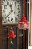 dekoruje ręcznie robiony czerwone izbowe zabawki Fotografia Stock