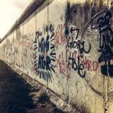 Del av Berlin Wall på Bernauer Straße, Mitte, Berlin, Tyskland Arkivbild