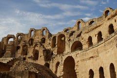 Del av den forntida romerska amfiteatern i Tunisien, Royaltyfria Foton