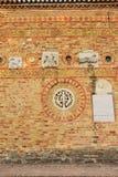 Del av den forntida tegelstenväggen Royaltyfri Fotografi