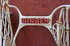 Del av den gamla manuella symaskinen med ` för ord`-sångare, Royaltyfri Foto