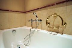 Del av den lyxiga badrummen royaltyfria foton