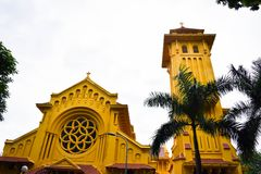 Del av församlingkyrkan på det Hai Ly Hai Hau området, mummel Noi, Vietnam Det finns många forntida kyrkor, och många stora salta arkivbild