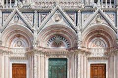 Del av fasaden av Siena Cathedral Duomo di Siena, Italien Royaltyfri Foto