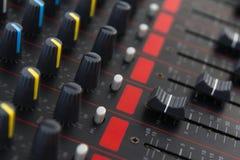 Del av kontroll en ljudsignal solid blandare Royaltyfri Fotografi