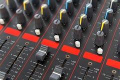Del av kontroll en ljudsignal solid blandare Fotografering för Bildbyråer