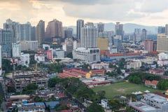 Del av Kuala Lumpur Skyline på solnedgången royaltyfria bilder