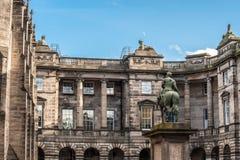 Del av parlamentfyrkanten med den rid- statyn av Charles Fotografering för Bildbyråer