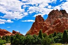 Del azul cielo rocoso todo el día Fotos de archivo