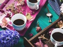 Del café express todavía del café vida con las flores Fotografía de archivo libre de regalías