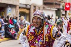 Del enmascarado Carmen Pisac Cuzco Peru de Virgen de los bailarines Imágenes de archivo libres de regalías