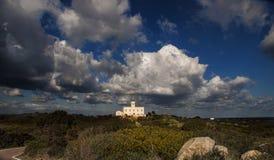 Del faro de Sardinia Italia cala Foto de Stock Royalty Free