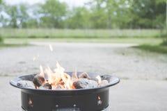 Del fuego del hoyo cierre para arriba imagen de archivo