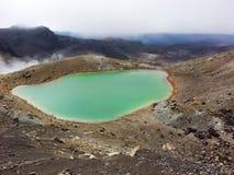 del il lago colorato di smeraldo fotografie stock
