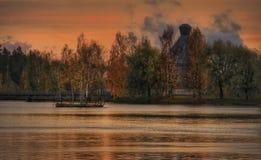 Del lago del otoño del paisaje colores hermosos de la naturaleza del arte de la foto al aire libre Foto de archivo libre de regalías