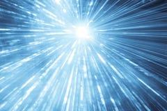 Del laser de la demostración de los rayos funcionamiento azul del evento del partido de la vida nocturna en la parte superior Foto de archivo