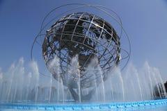 ` 1964 del mondo di New York s Unisphere giusto nel parco di Flushing Meadows immagine stock libera da diritti
