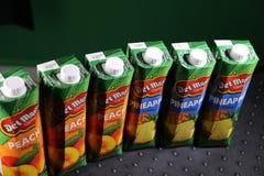 Del Monte-sap het beroemdste merk voor perziken en ananassen! stock afbeeldingen